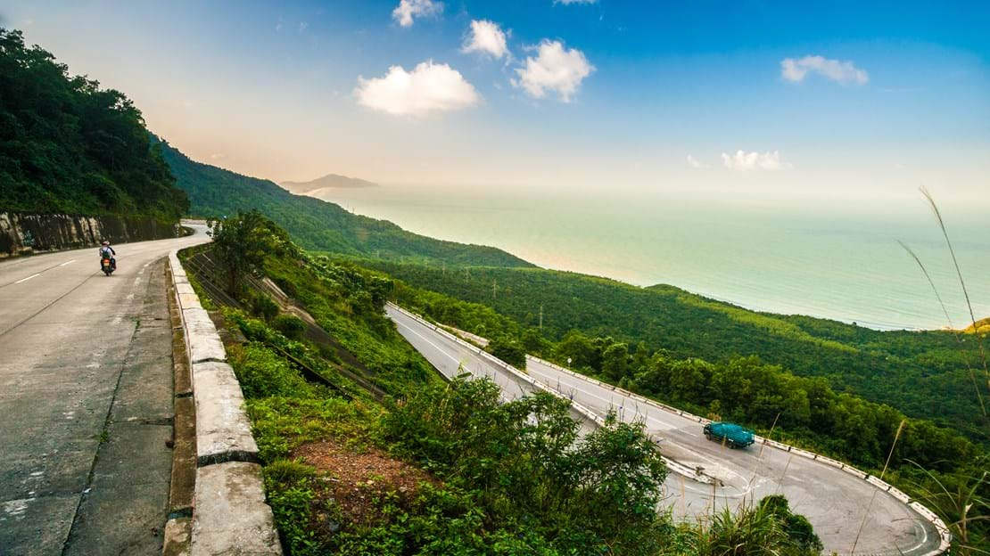 shutterstock_270841277 Hai Van pass - the famous road which leads along the coastline mountains near Da Nang city, Vietnam..jpg